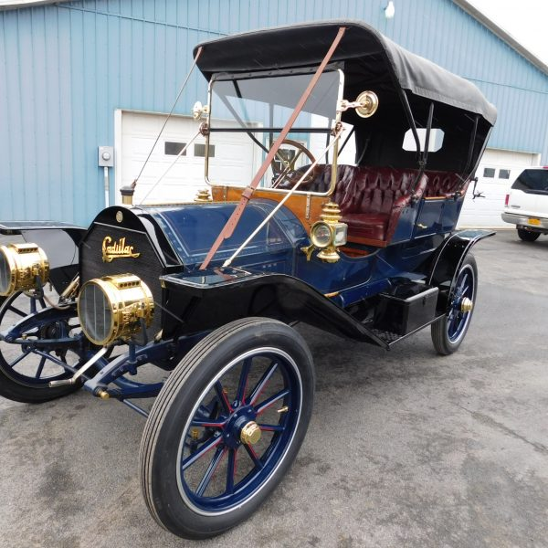 1909 Cadillac Model 30 Demi-Tonneau